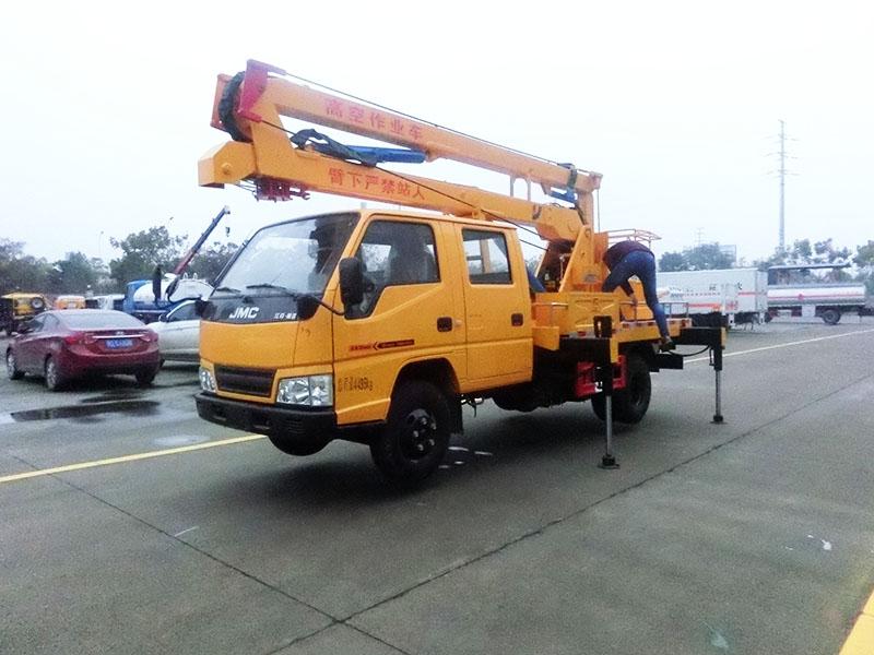 江铃12米曲臂高空作业车图片1