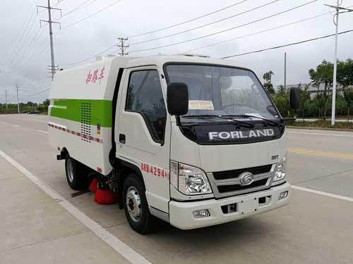 福田小卡2600扫路车